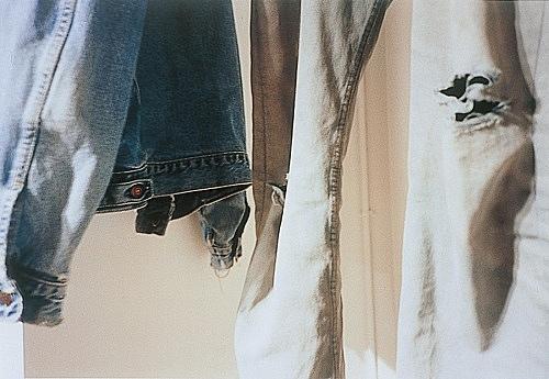 "Wolfgang Tillmans – ""blue jacket, grey jeans"", 1995 c-print 30,5 x 40,6 cm"