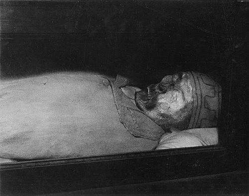 "Peter Hujar – ""Palermo Catacombs #3 (Man with Skullcap)"", 1963 gelatin-silver print 35.6 x 27.9 cm"