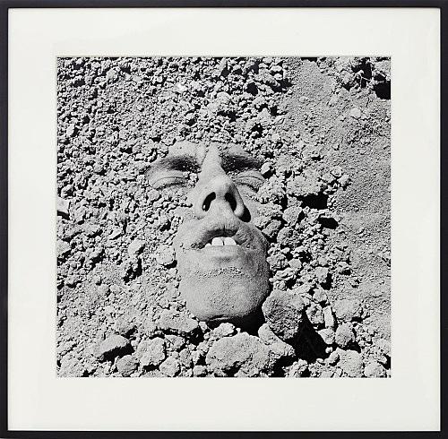 "David Wojnarowicz – ""Untitled (Face in Dirt)"", 1990 gelatin silver print 47.5 x 49 cm Collection Gary Schneider"