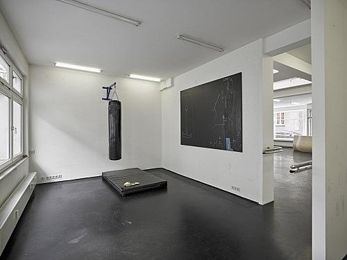 Anne Imhof – installation view Galerie Buchholz, Köln 2016