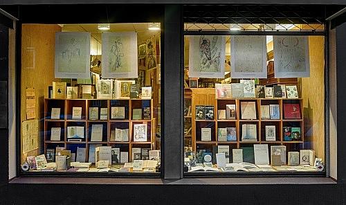 Antonin Artaud – Schaufenster anlässlich der Ausstellung von Richard Hawkins Installationsansicht Antiquariat Buchholz, Köln 2016