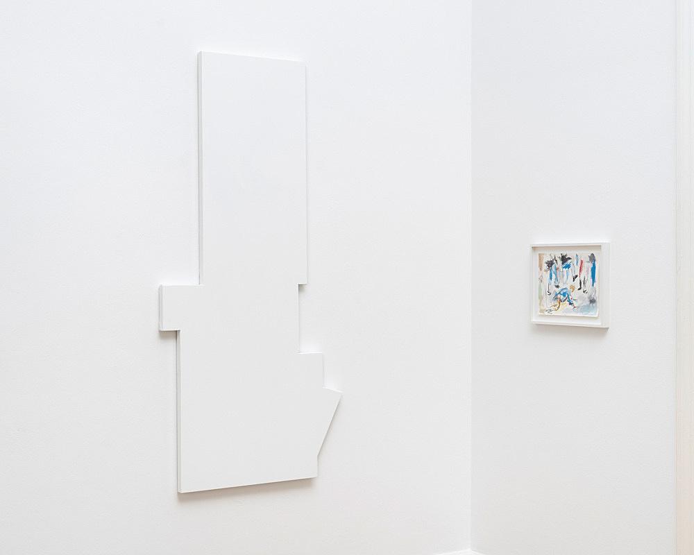 "John Kelsey – ""Paris in Manhattan"", 2016 shaped canvas 152 x 62 x 3,5 cm & ""Dans la rue, 1"", 2016 watercolor on arches paper 22,7 x 31 cm framed 30 x 38 x 3 cm installation view Galerie Buchholz, Berlin 2016"