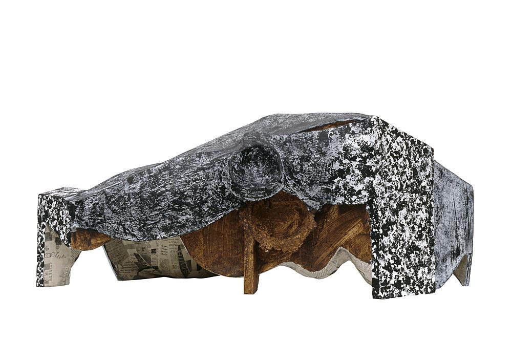 Vincent Fecteau – Untitled, 2006 papier-maché, acrylic 35 x 78 x 65 cm