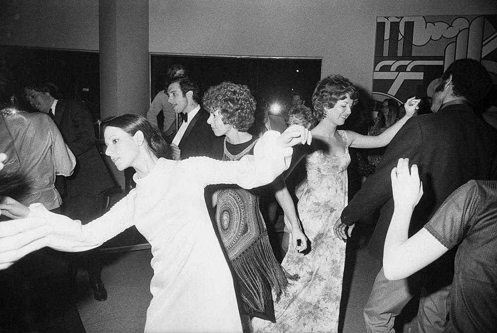 "Garry Winogrand – ""Tenth Anniversary Party, Guggenheim Museum, New York"", 1970 printed 1970s gelatin-silver print 27 x 40.3 cm (image), 35.6 x 43.2 cm (sheet)"