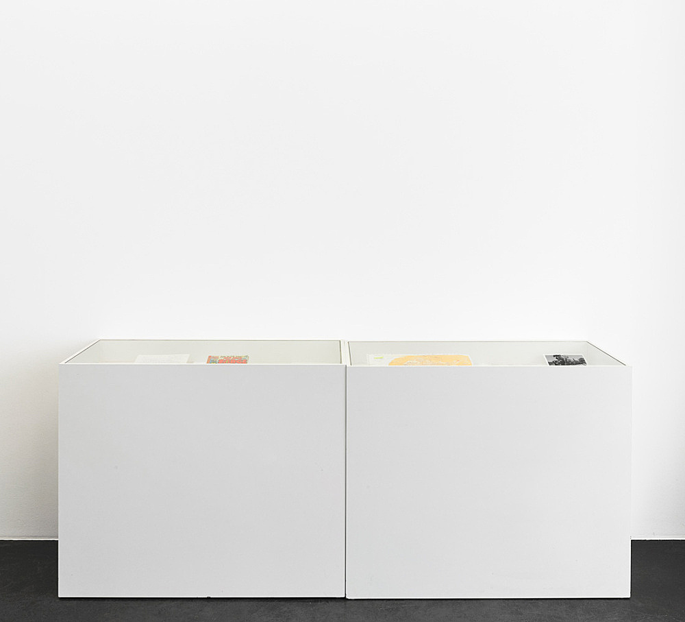 Tony Conrad – 2 Vitrines with notes, reference material, photographs related to the production of Beholden to Victory from the private archive of Tony Conrad installation view Galerie Buchholz, Köln 2016