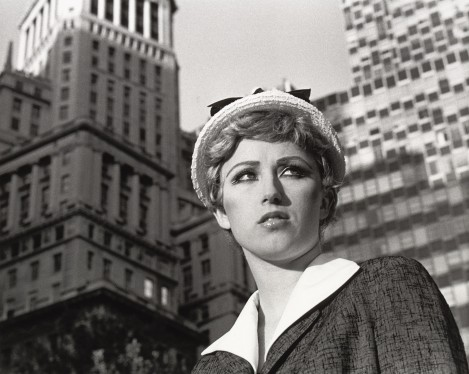 "Cindy Sherman – ""Untitled (Film Still #21)"", 1978 gelatin silver print 20,5 x 25,5 cm exhibition print"