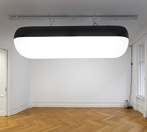 "Mark Leckey – ""Inflatable Light"", 2017 inflatable nylon, LED lights w=350, Ø100cm installation view Galerie Buchholz, Berlin 2017"