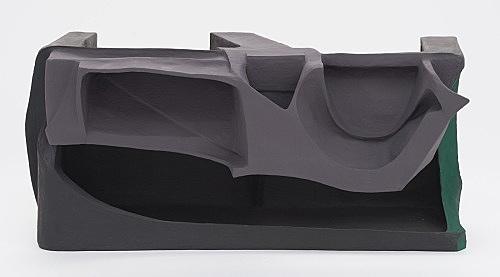 Vincent Fecteau – Untitled, 2016 papier-maché, acrylic 51.5 x 113 x 57 cm installation view Galerie Buchholz, Berlin 2017