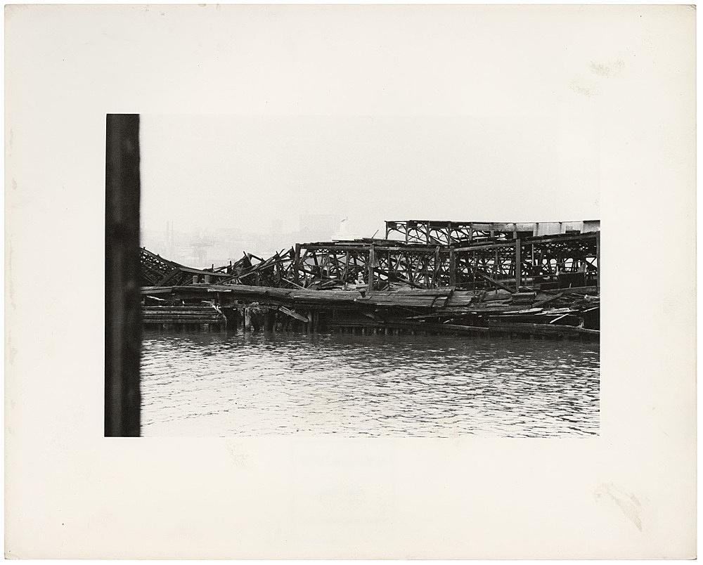 Alvin Baltrop – The Piers (collapsed architecture), n.d. (1975-1986) silver gelatin print image size: 11.7 x 18 cm paper size: 20.2 x 25.3 cm (framed: 35.3 x 40.4 x 2.8 cm)