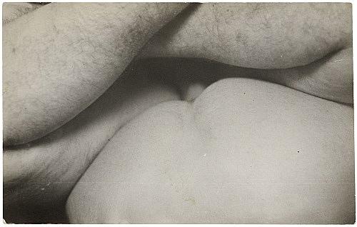 Alvin Baltrop – The Piers (body parts), n.d. (1975-1986) silver gelatin print image size: 10.5 x 16.5 cm paper size: 10.5 x 16.5 cm (framed: 35.3 x 40.4 x 2.8 cm)
