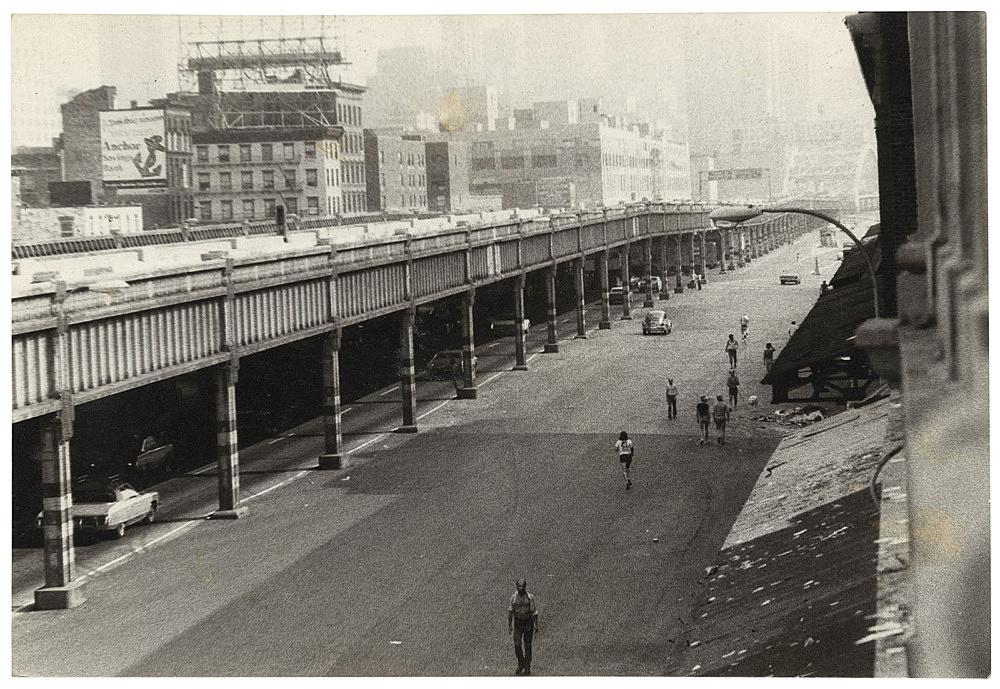 Alvin Baltrop – West Side Highway and pier façade, n.d. (1975-1986) silver gelatin print image size: 11.5 x 17 cm paper size: 11.5 x 17 cm (framed: 35.3 x 40.4 x 2.8 cm)