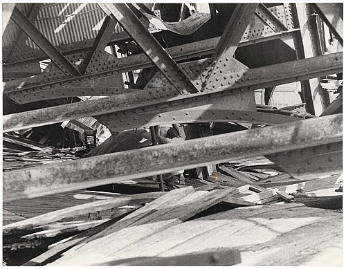 Alvin Baltrop – The Piers (blowjob), n.d. (1975-1986) silver gelatin print image size: 18.4 x 23.8 cm paper size: 18.4 x 23.8 cm (framed: 35.3 x 40.4 x 2.8 cm)