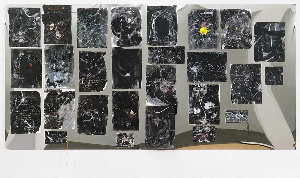 "Jutta Koether – ""thiggein"", 2000 27 drawings on mirror foil 100 x 200 cm"