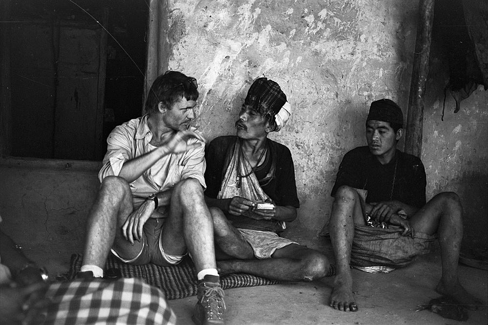 – Michael Oppitz in Gespräch mit Bal Bahadur, Taka Fotografie, 1979