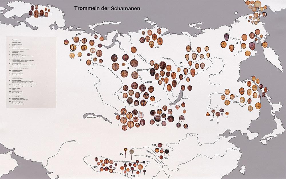 – Karte: Verbreitung der Schamanentrommel in Eurasien Regionale Variationen eines einzigen Grundtyps im Maßstab 1:100 nach einer Karte in: Morphologie der Schamanentrommel I: 530-1 von Michael Oppitz