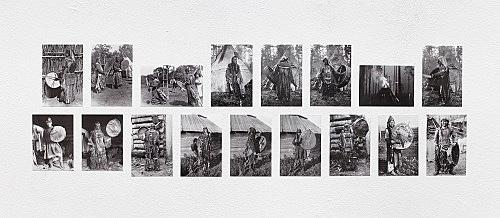 – Historische Abbildungen sibirischer Schamanen mit ihren Trommeln Fotografien Installationsansicht Galerie Buchholz, Berlin 2018