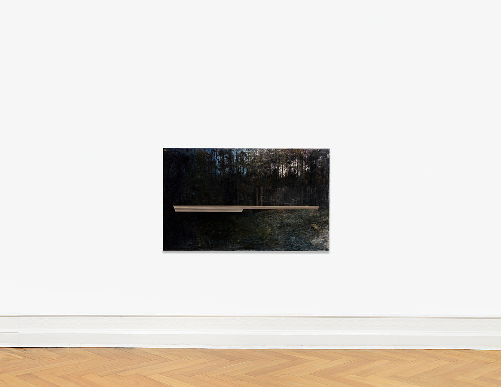 "R.H. Quaytman – ""An Evening, Chapter 32"", 2017 – 2018 Marshall's photo oil, oil, silkscreen ink, gesso on wood 94 x 152.5 x 3.2 cm installation view Galerie Buchholz, Berlin 2018"