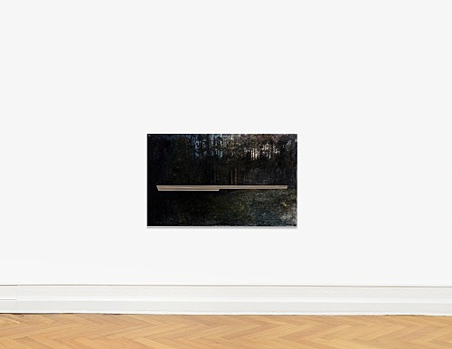 "R.H. Quaytman – ""An Evening, Chapter 32"", 2017 - 2018 Marshall's photo oil, oil, silkscreen ink, gesso on wood 94 x 152.5 x 3.2 cm installation view Galerie Buchholz, Berlin 2018"