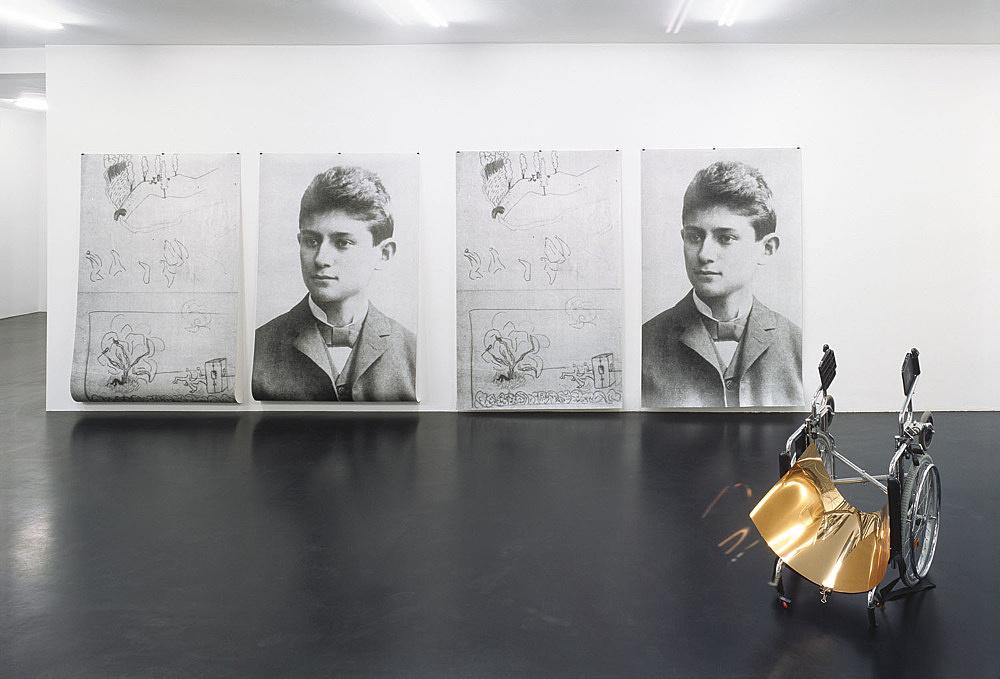 """Isa Genzken – """"Birds in a Park"""" installation view Galerie Daniel Buchholz, Köln 2007"""