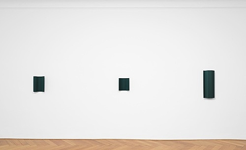 "Florian Pumhösl – ""Element V"", 2018 gouache on plaster 72 x 29 x 11 cm & ""Element II"", 2018 gouache on plaster 33.5 x 28 x 10.5 cm & ""Element IV"", 2018 gouache on plaster 41 x 32 x 11 cm installation view Galerie Buchholz, Berlin 2018"