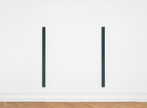 "Florian Pumhösl – ""Element (Delta) II"", 2018 gouache on plaster 200 x 10 x 6 cm & ""Element (Delta) I"", 2018 gouache on plaster 200 x 10 x 6 cm installation view Galerie Buchholz, Berlin 2018"