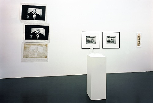 Michael Fullerton, Mathias Poledna, Christopher Williams, Richard Hawkins – installation view Galerie Daniel Buchholz, Köln 2004