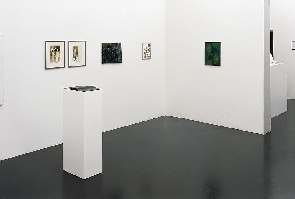 Bonnie Camplin, Katharina Wulff, Tomma Abts – installation view Galerie Daniel Buchholz, Köln 2004