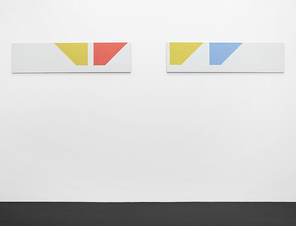 """Martin Barré – """"91-92 – 42 x 168 A"""", 1991/92 acrylic on canvas 42 x 168 cm & """"91-92 – 42 x 168 B"""", 1991/'92 acrylic on canvas 42 x 168 cm installation view Galerie Daniel Buchholz, Köln 2007"""