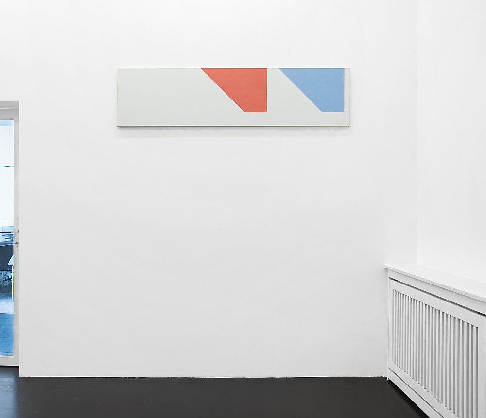 """Martin Barré – """"91-92 – 42 x 168 D"""", 1991/92 acrylic on canvas 42 x 168 cm installation view Galerie Daniel Buchholz, Köln 2007"""