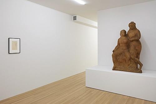 "Elie Nadelman – ""Two Circus Women"", ca. 1928-1929 papier-mâché over plaster 132.7 x 96.5 x 53.3 cm & ""Untitled (standing woman, Seaside Inn)"", 1941 graphite on paper (Seaside Inn, Daytona Beach, stationery) 24.1 x 15.2 cm installation view Galerie Buchholz, New York 2018"