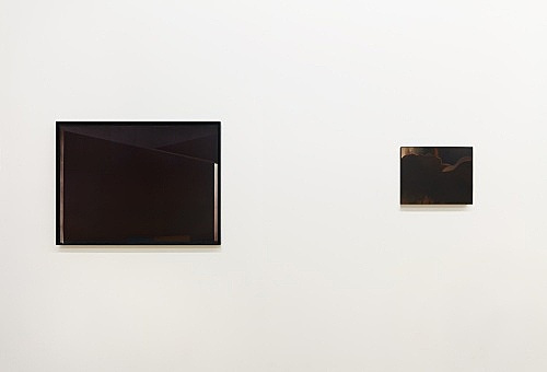 "Monica Majoli – ""Black Mirror (Jarrett)"", 2009–2012 diptych, one oil painting and one lithograph painting: 28 x 35.5 cm (framed: 28 x 35.5 cm) lithograph: 56 x 79 cm (framed: 56 x 79 cm) installation view Galerie Buchholz, New York 2018"