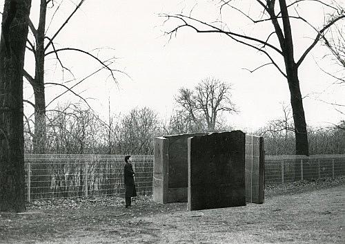"Isa Genzken – ""Gartenskulptur"", 1986 Project for a private garden, Cologne photograph/collage Isa Genzken"
