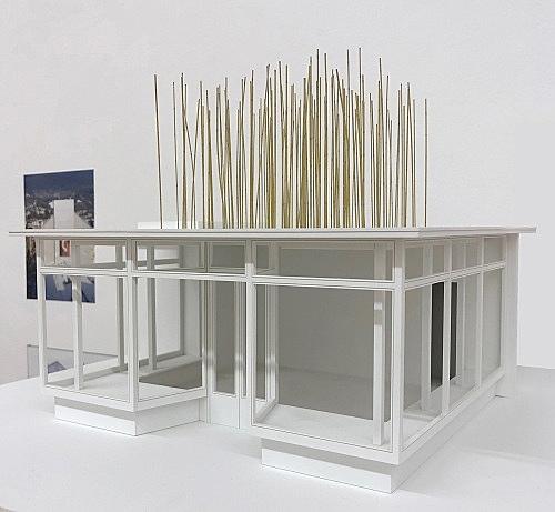 """Isa Genzken – """"Haare wachsen, wie sie wollen"""", 2002 Berlin, Galerie Meerrettich (Josef Strau), Glaspavillon an der Volksbühne, Berlin 2002 bamboo sticks, wood Model, installation view Galerie Buchholz, Berlin 2018"""