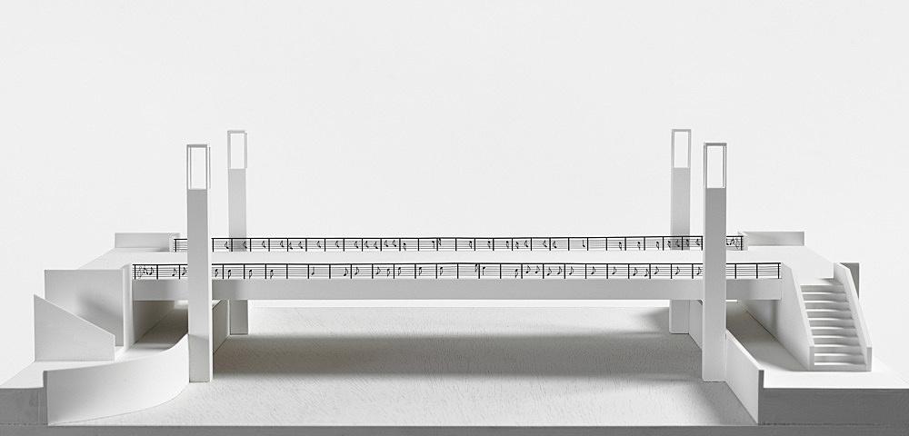 "Isa Genzken – ""Brücke, Das ist die Berliner Luft, Luft, Luft …"", 2000 Project for Berlin, public competition for a new bridge near the city hall Model, installation view Galerie Buchholz, Berlin 2018"