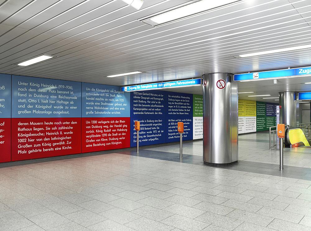 """Isa Genzken/Gerhard Richter – """"U-Bahnhof Duisburg"""", 1992 Duisburg, König-Heinrich-Platz Subway Station (since 1992) Isa Genzken """"Bildnerische Textgestaltung"""" enamel on steel wall panels 3100 x 268 cm photograph"""