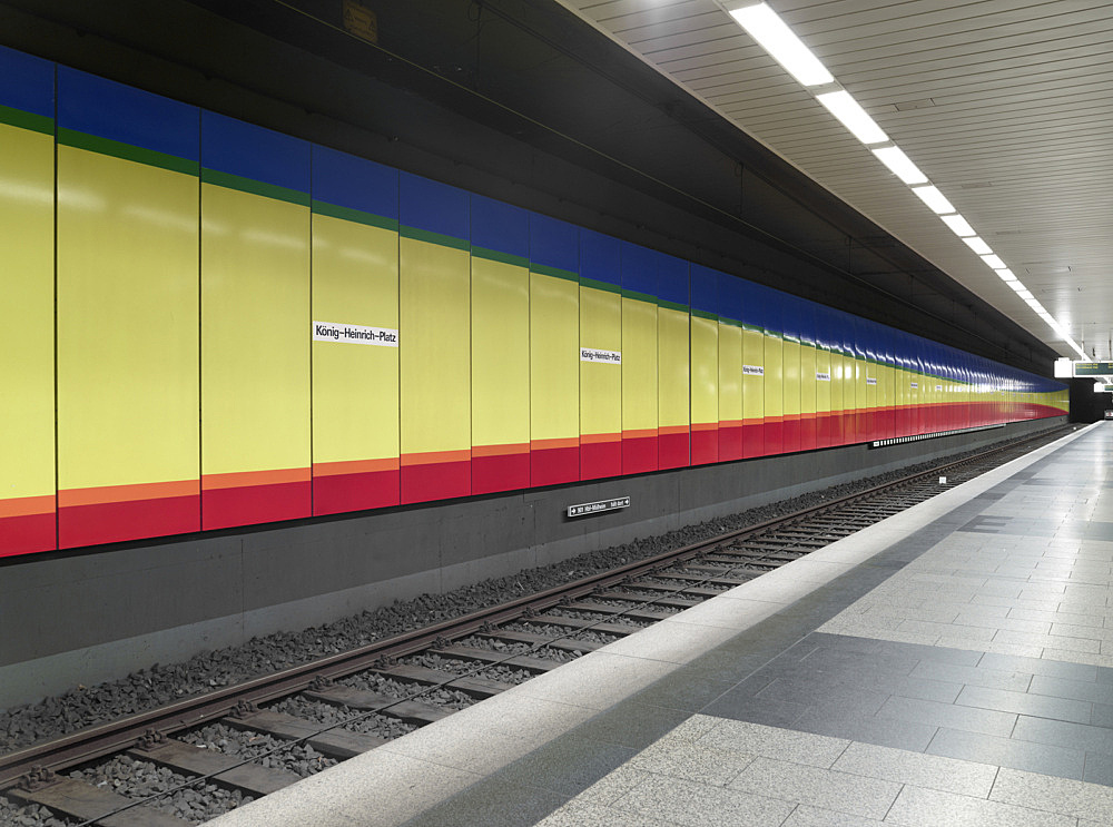 "Isa Genzken/Gerhard Richter – ""U-Bahnhof Duisburg"", 1992 Duisburg, König-Heinrich-Platz Subway Station (since 1992) Isa Genzken ""Hyperbel"" enamel on steel wall panels 11650 x 310 cm photograph"