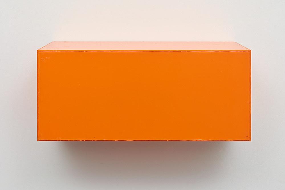 "Henrik Olesen – ""Madhouse"", 2019 glass, acrylic, glue, metal brackets 26 x 56.5 x 24.5 cm"