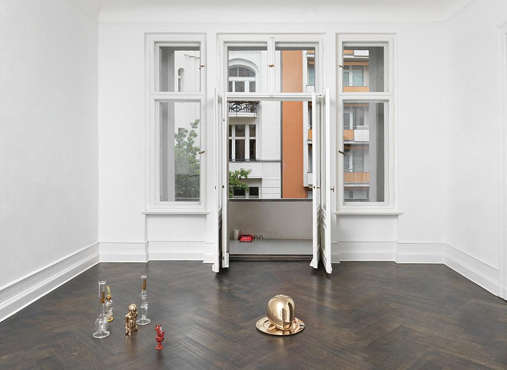 Anne Imhof – Imagine installation view Galerie Buchholz, Berlin 2019
