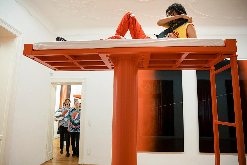 Anne Imhof – Imagine Performance Jakob Eilinghoff, Mickey Mahar, Arthur Kopp Galerie Buchholz, Berlin 2019