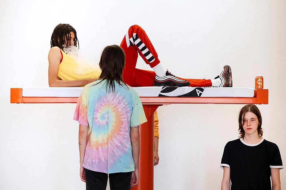 Anne Imhof – Imagine Performance Arthur Kopp, Stine Omar, Jakob Eilinghoff Galerie Buchholz, Berlin 2019