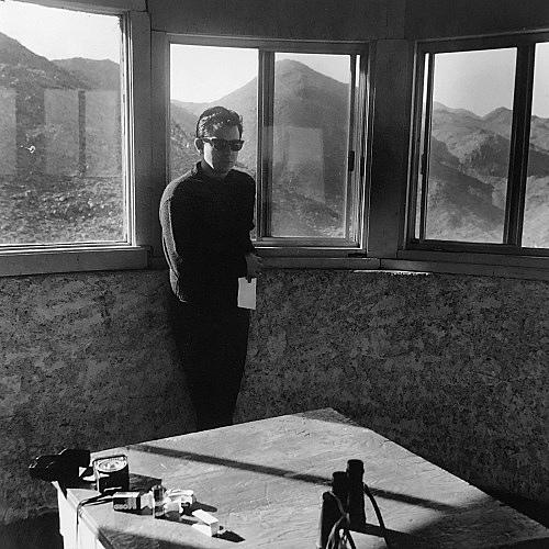 "Moyra Davey – ""Jason (desert view tower)"", 1987 silver gelatin print 50.5 x 40.5 cm"