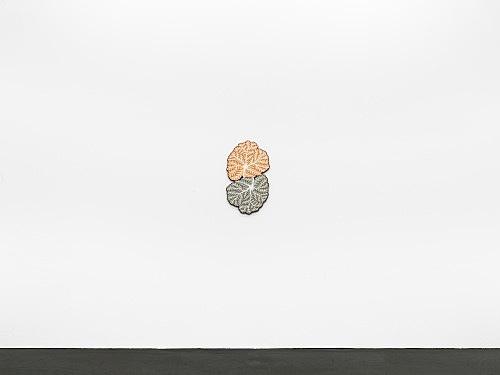 "Ulla Wiggen – ""Två III"", 2019 acrylic on panel 62 x 36 cm installation view Galerie Buchholz, Köln 2020"