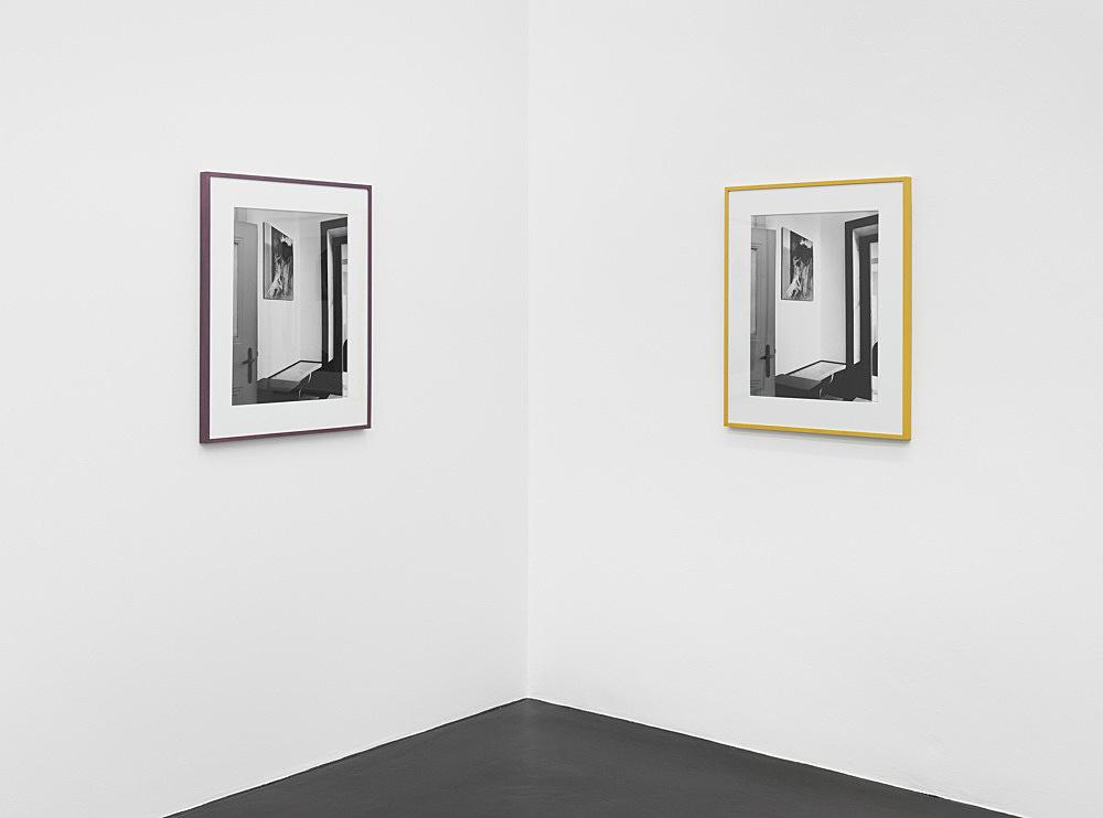 """Louise Lawler – """"Vienna (lavender, mustard)"""", 2018/2019 gelatin silver print in artist frame 57.8 x 45.1 cm (framed: 78.1 x 64.8 cm) installation view Galerie Buchholz, Köln 2020"""