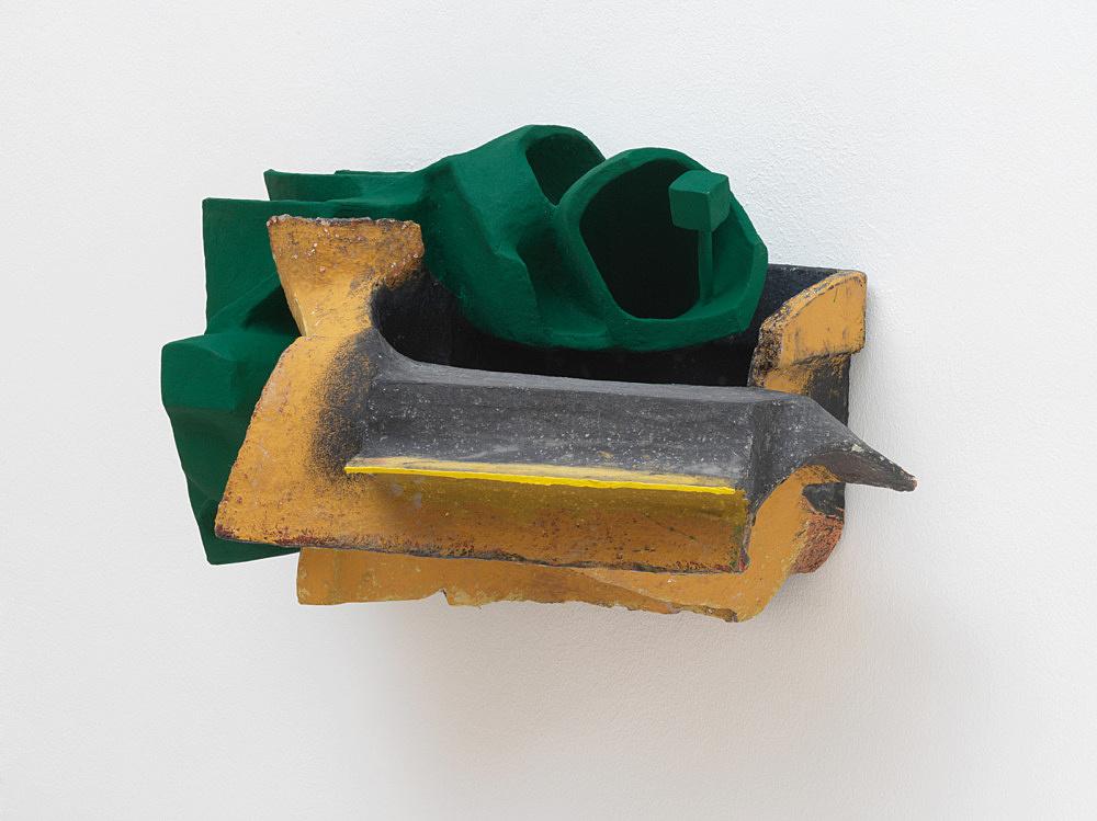 Vincent Fecteau – Untitled, 2020 papier-maché, acrylic, epoxy clay, wood 37 x 67 x 39.5 cm