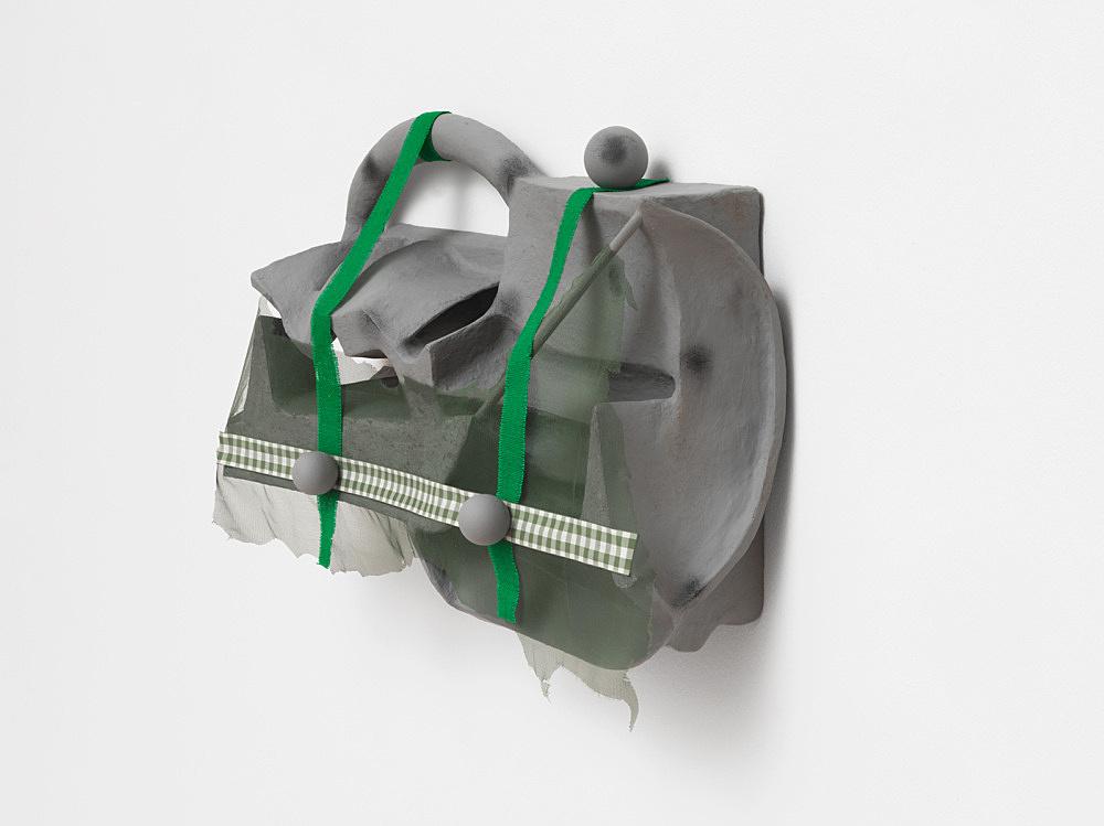 Vincent Fecteau – Untitled, 2020 papier-maché, acrylic, epoxy clay, wood, tulle, burlap, ribbon 52 x 79 x 21.5 cm