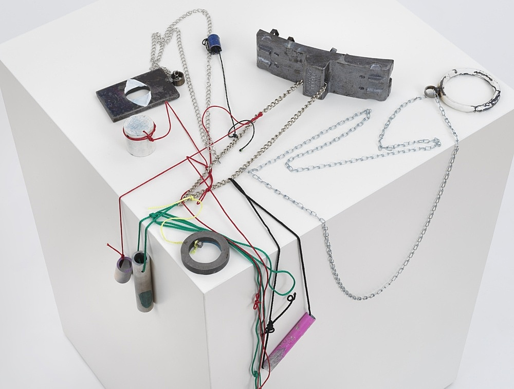 """Josef Strau – """"Mephisto's Lost Time"""", 2021 metal, lacquer, pencil and felt pen, with ropes, on plinth 105 x 73 x 75 cm detail"""