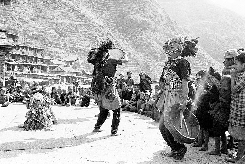 Michael Oppitz – Shamans looking out for soul robbers near mat, 1984 silver gelatin print, 2021 40 x 60 cm