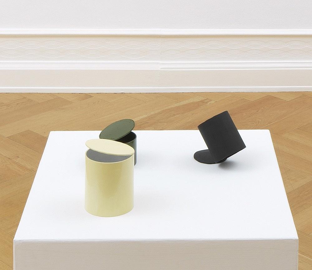 Peter Fischli – untitled, 2021 cardboard, coated, color 67.5 x 67 x 67 cm